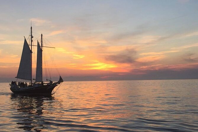 Private Sunset Sailing Cruise from Traverse City