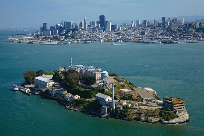 Alcatraz Tour with Full-Day Bike Rental in San Francisco
