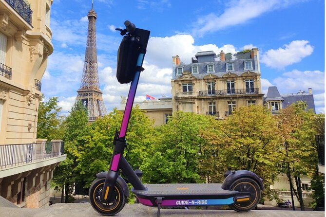 4H Audioguided Tour in E-Scooter in Paris (App + GPS)