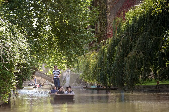 Small-Group Guided Punting Tour of Cambridge