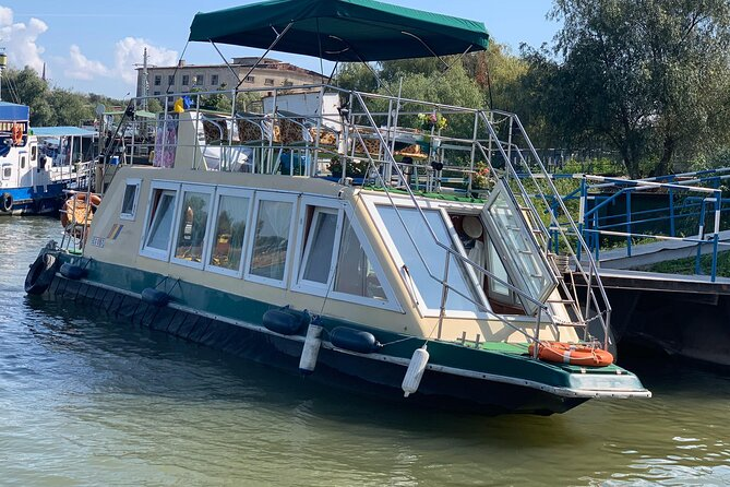 Sightseeing tours and private tours in the Danube Delta ... Camely Hidrobuz