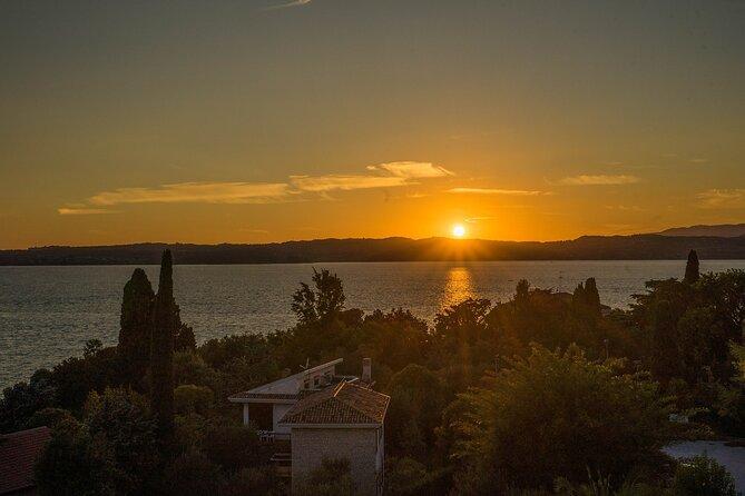 Lake Garda: Desenzano del Garda Sunset Boat Tour