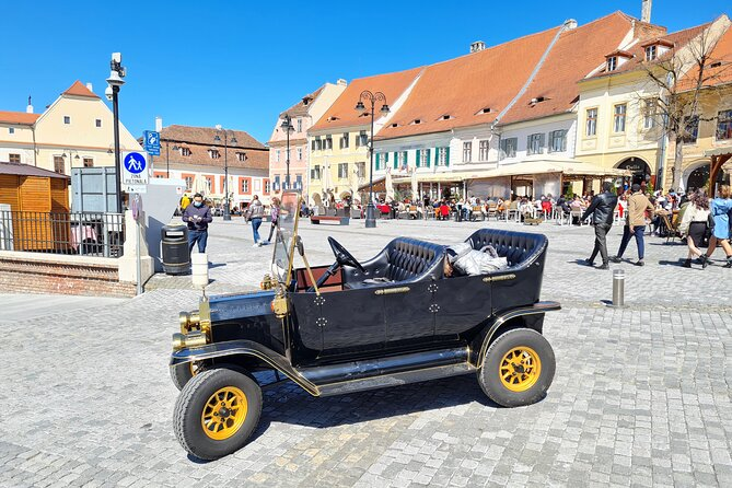Old Town Private Tour - Vintage Car