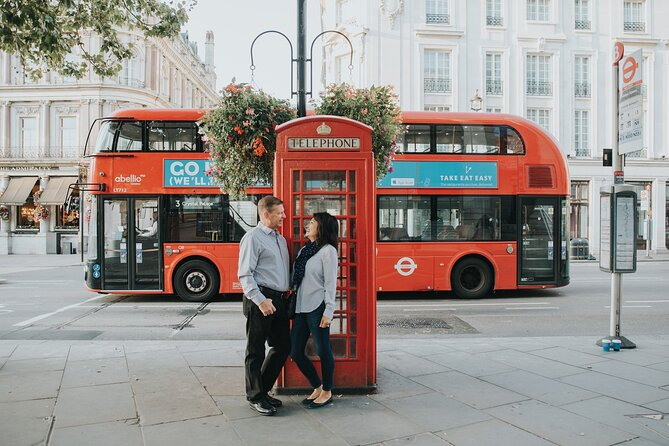30-Minute Private Vacation Photography Session with Local Photographer in London