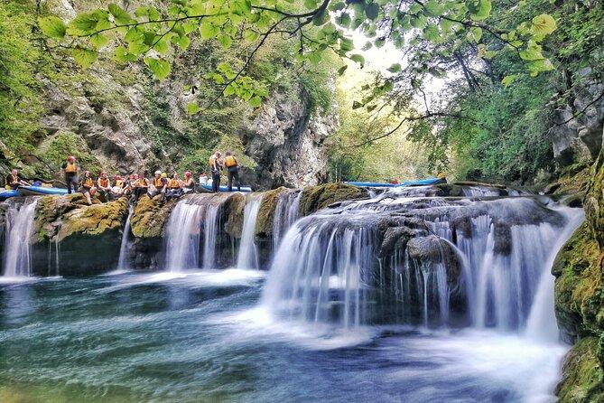 Kayak dans le canyon de la Mreznica