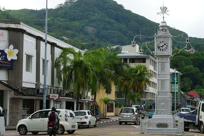 Victoria City Walking Tour | Mahé, Seychelles | Private tour on foot | Barrier-free