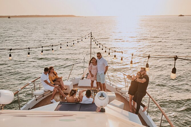Sibarita Master 85' luxury 90 min Sunset Tour Open Bar