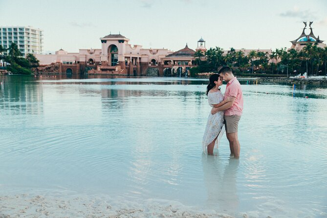 Private Vacation Photography Session with Local Photographer in Nassau