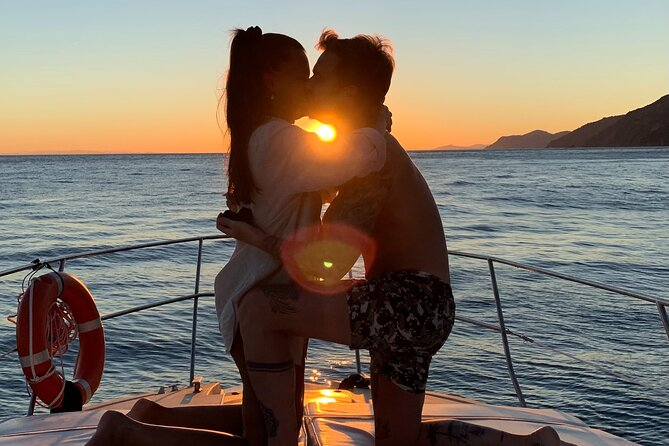Will You Marry Me? Love Experience at Sunset