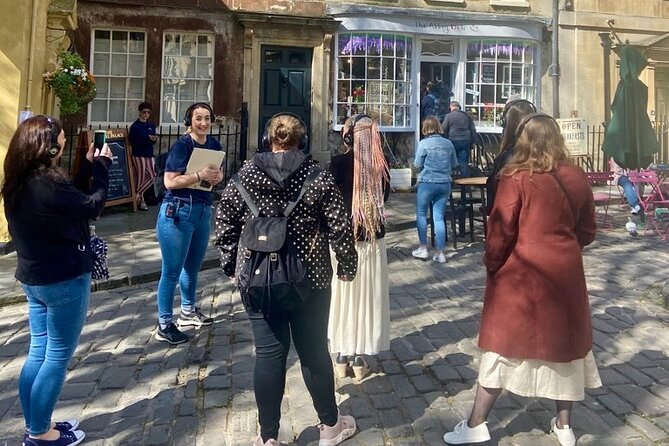 Small-Group 2-Hour Bridgerton Sights and Music Tour in Bath