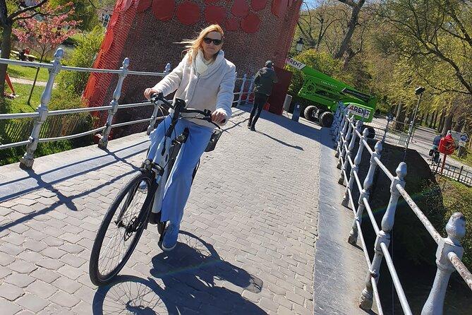 Discover Bruges by bike