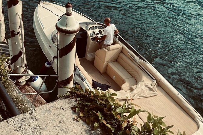 Exclusive Offshore and Aperitif in Lake Como