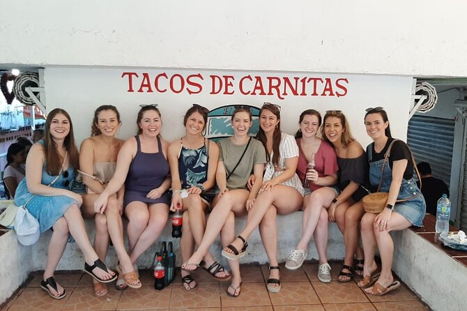 Private Street Food and Art Tour with Transportation and Lunch