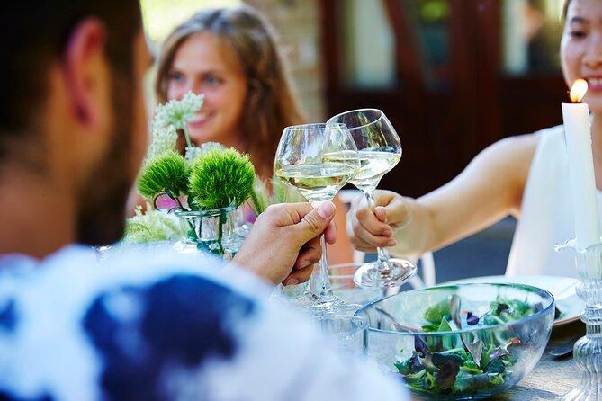 Immersive cellar visit, tasting and picnic basket