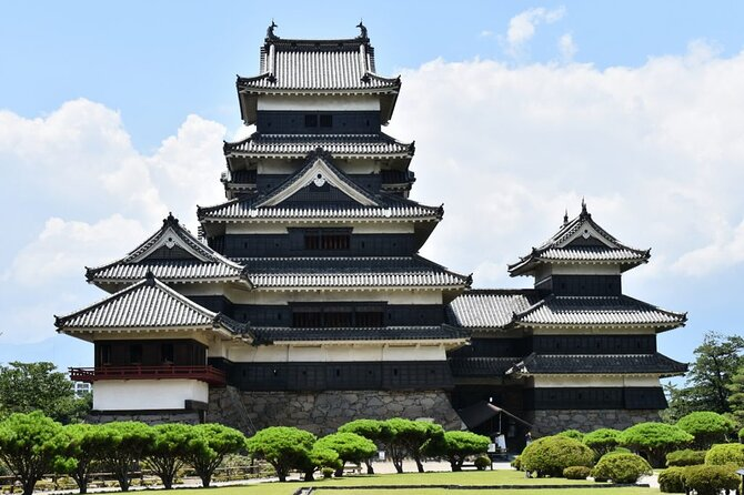 Highlights of Central Japan Tour: Matsumoto Castle & Kamikochi Alpine Valley