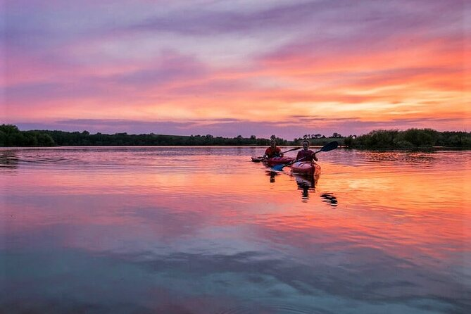 Guided Sunset Coastal Kayaking and Island Hopping in Galway