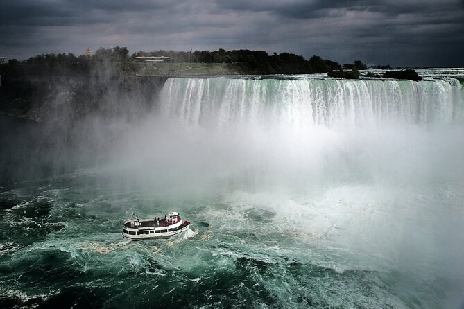 Maid of the Mist Boat Ride with Adventure Tour