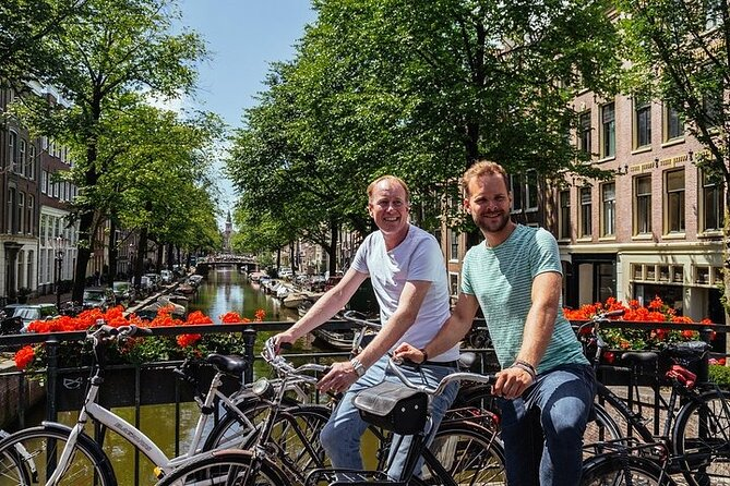 Private Amsterdam's Bike & Bites Like a Local Tour (E-Bike Option Included)