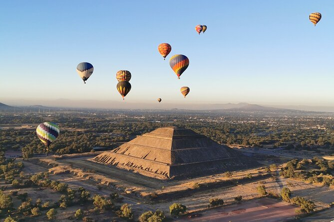 Hot Air Balloon Flight over Teotihuacán