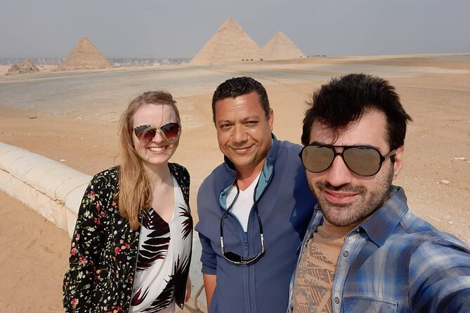 Private Day Tour to Giza Pyramids, Great Sphinx , Memphis and Sakkara