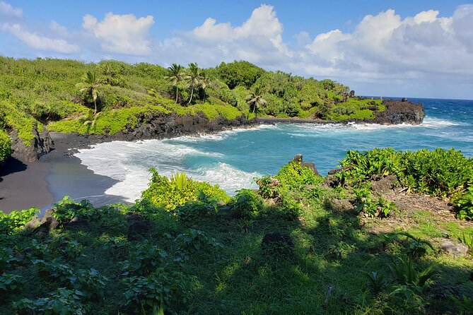 Full Circle Reverse - Luxury Road to Hana Tour from South Maui