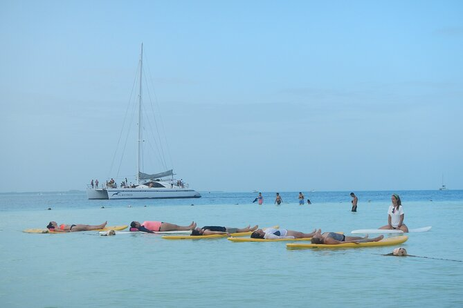 Standing Rowing Yoga Experience in Cancun