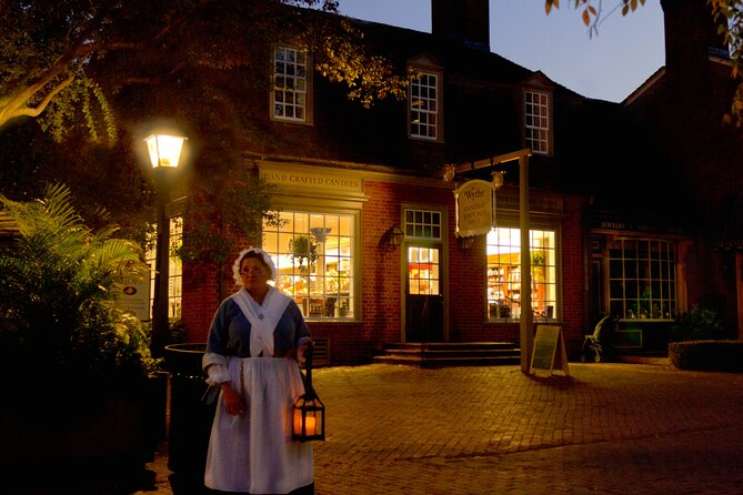 Williamsburg Ghosts, Witches and Pirates Tour