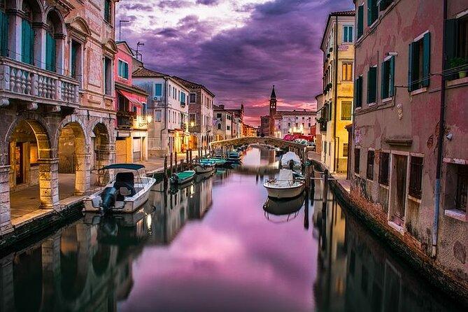 Tour Venezia al tramonto con la guida architetto/Excursie: Venetia cu ghid local