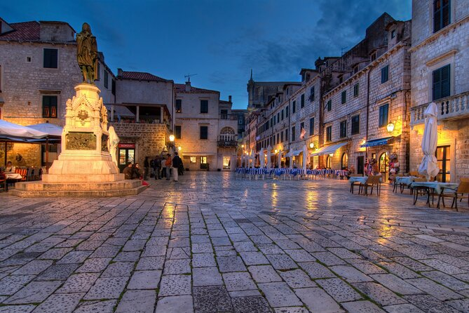 Private Tour: Evening Stroll through the Old town
