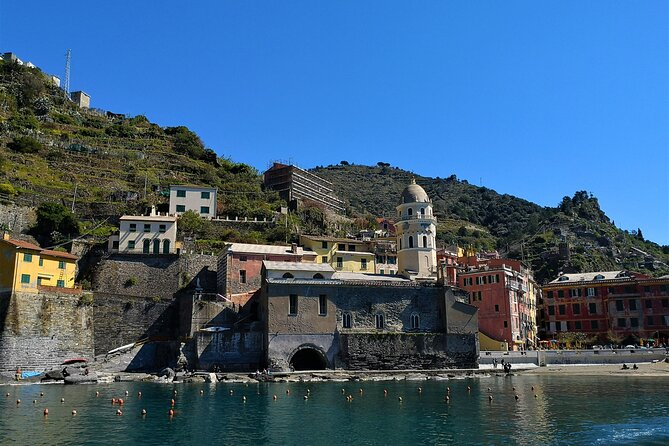 Round trip to La Spezia with car rental with driver for Cinque Terre