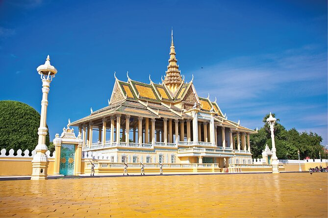 Small Group Phnom Penh Full Day City Tour with Pickup