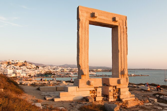 Naxos Old Town and Castle Walking Tour (Small Group)