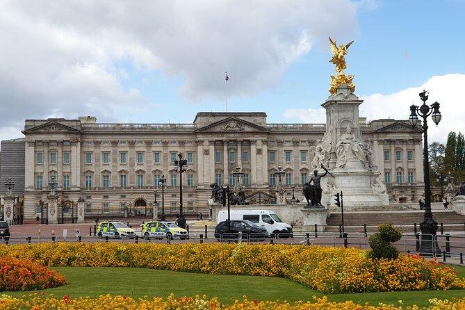 Palaces, Parliament & Power: A Walking Tour of London's Royal City