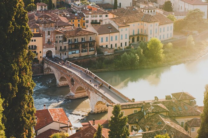 Guided Half Day Small Group Tour in Verona