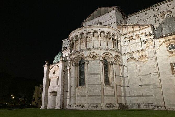 Night Walking Tour in Lucca
