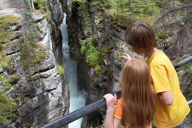Maligne Canyon Hiking Tour