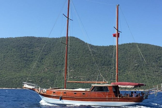 Private Half-Day Yacht Cruise in Bodrum with lunch