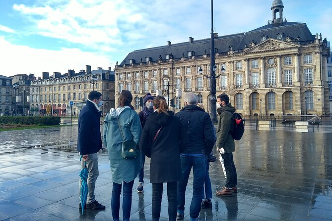 Guided tour 2 hours: The Port of Bordeaux