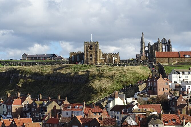 Private Guided Walking Tour of Whitby