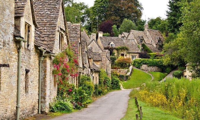 8 Beautiful Hidden Towns Around the World