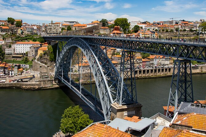 Private Walking Guided Tour to Center of Porto and Gaia