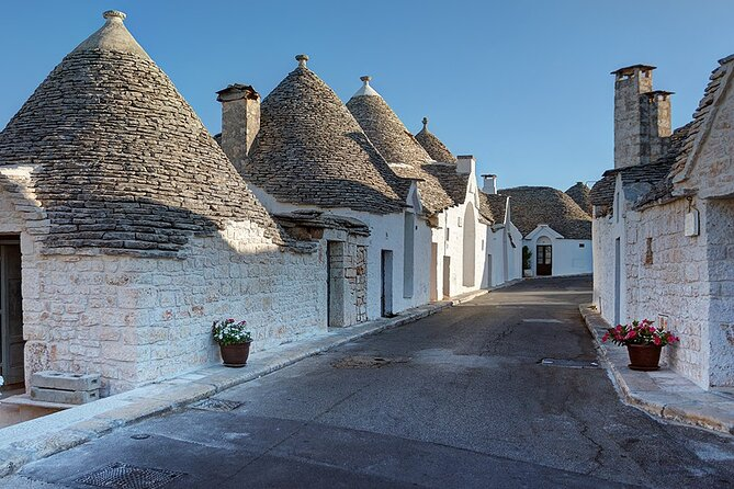 Small Group Guided Visit to the Trulli of Alberobello