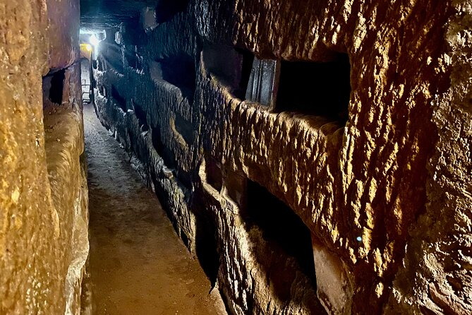 Private Express Tour of Roman Catacombs with Transfer