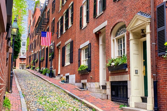 History + Photo Walking Tour of Beacon Hill's Most Scenic Locations(Small Group)