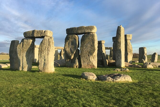 Half-Day Small-Group Tour to Stonehenge from Bath