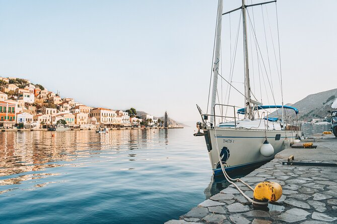 Single day Sail boat cruise with swimming, snorkeling, drinks and snacks