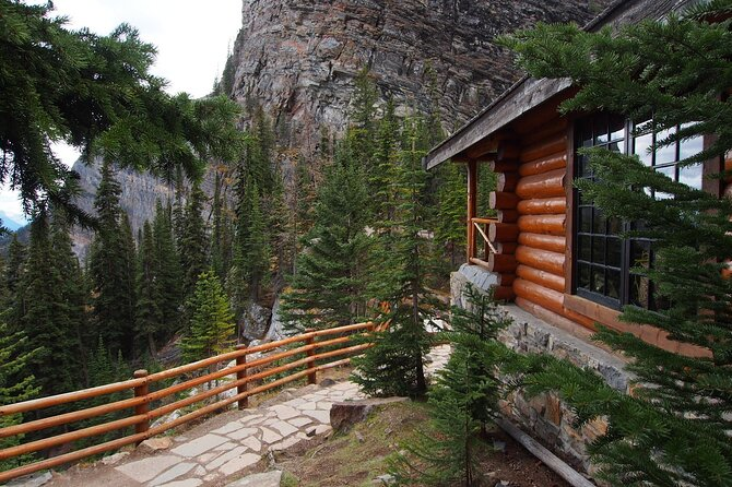 Discover the Lake Agnes Tea House Trail with a Guided Audio Hike