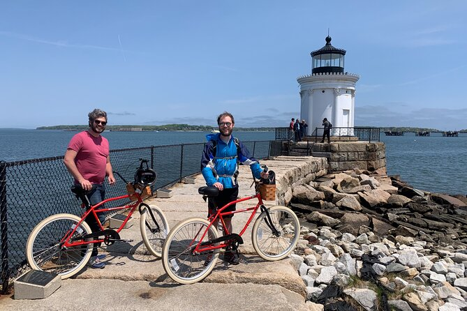 Small-Group 3-Hour 3 Lighthouse Bike Tour from South Portland