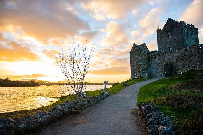 Skip the Line: Dunguaire Castle Admission Ticket