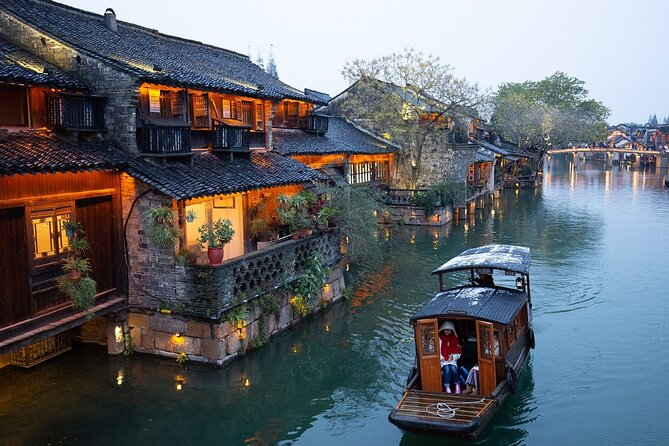 A Canal-Faring Journey in Wuzhen